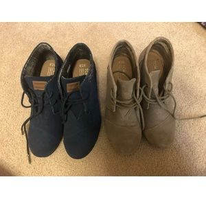 Toms Boots Booties Lot Tan and Navy Size 7.5